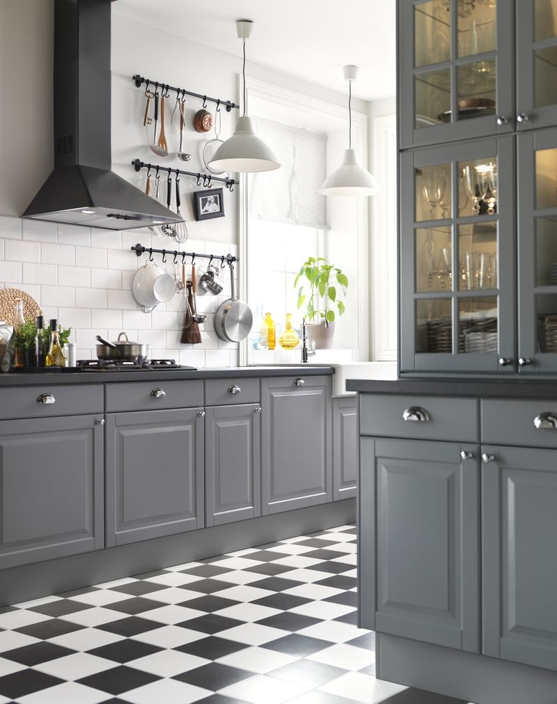 черная с серым кухня