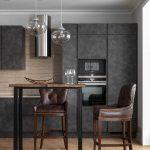 серая кухня с коричневыми стульями