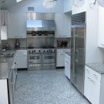 серая кухня стальная