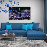 синий диван с картиной
