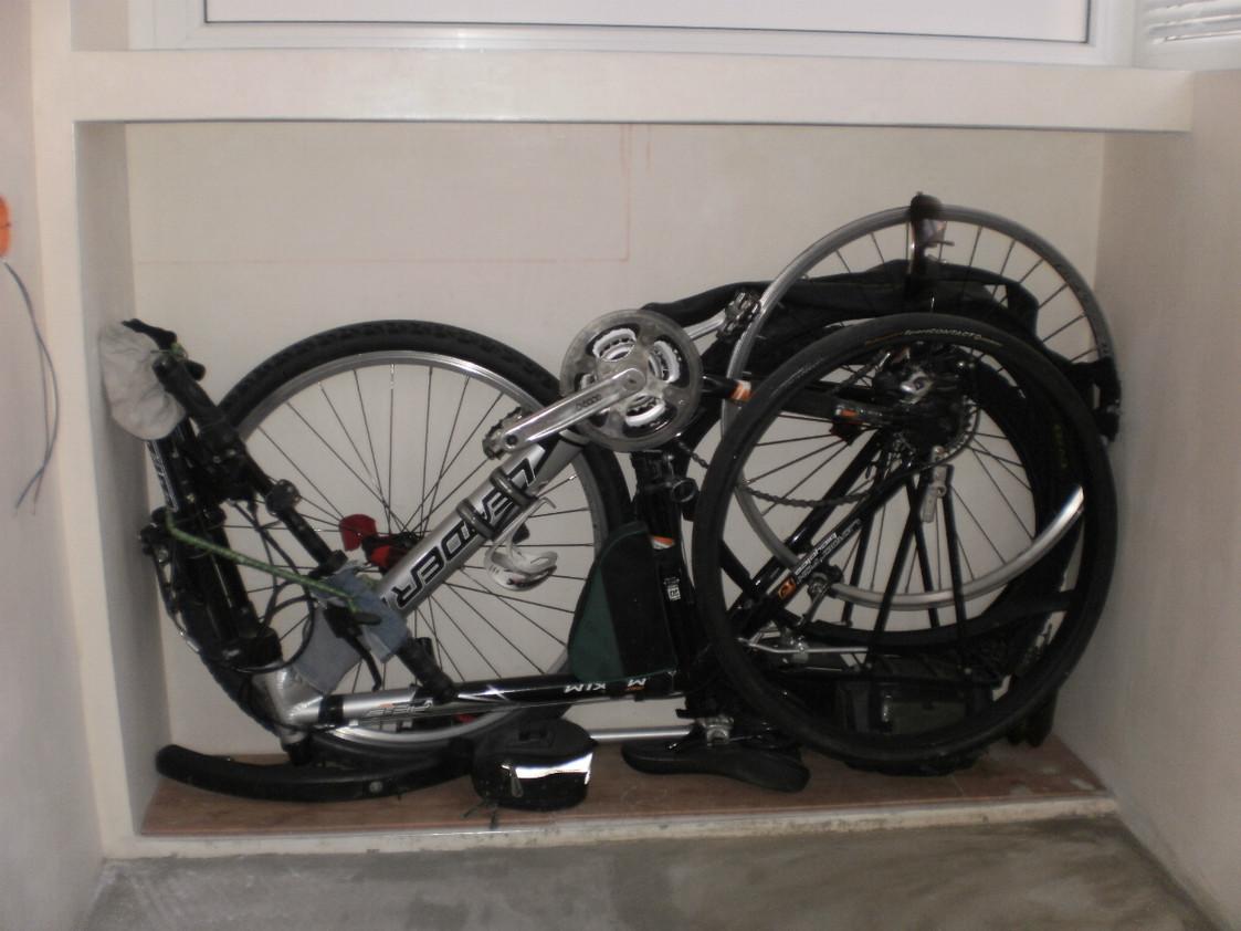 сложить велосипед для хранения