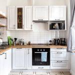 современный кухонный гарнитур декор фото