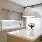 современный кухонный гарнитур интерьер