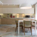 современный кухонный гарнитур интерьер фото