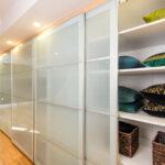 современный шкаф купе виды декора