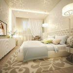спальня со светлой мебелью фото декор
