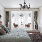 спальня со светлой мебелью идеи декора