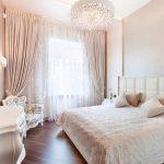спальня со светлой мебелью идеи интерьера