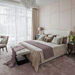 спальня со светлой мебелью фото оформление