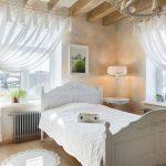 спальня со светлой мебелью идеи оформления