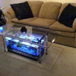 стеклянный стол с подсветкой