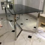 стол из секла большой