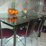 стеклянный стол угол