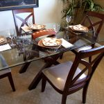 стеклянный стол обеденный