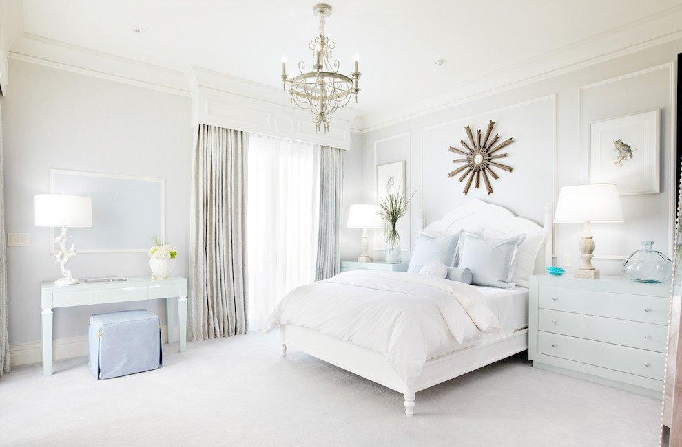 светлая спальня со светлой мебелью декор идеи