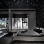 интересная спальня с темной мебелью