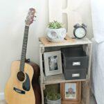 прикроватная тумба с гитарой