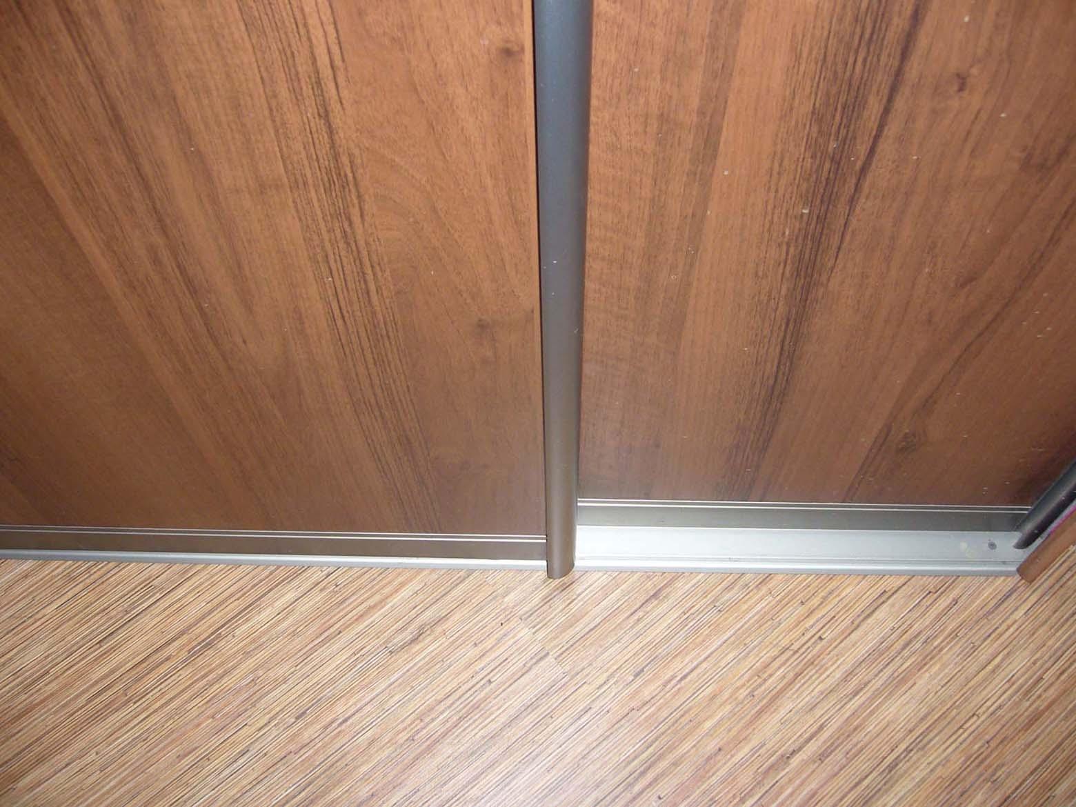 установка дверей шкафа
