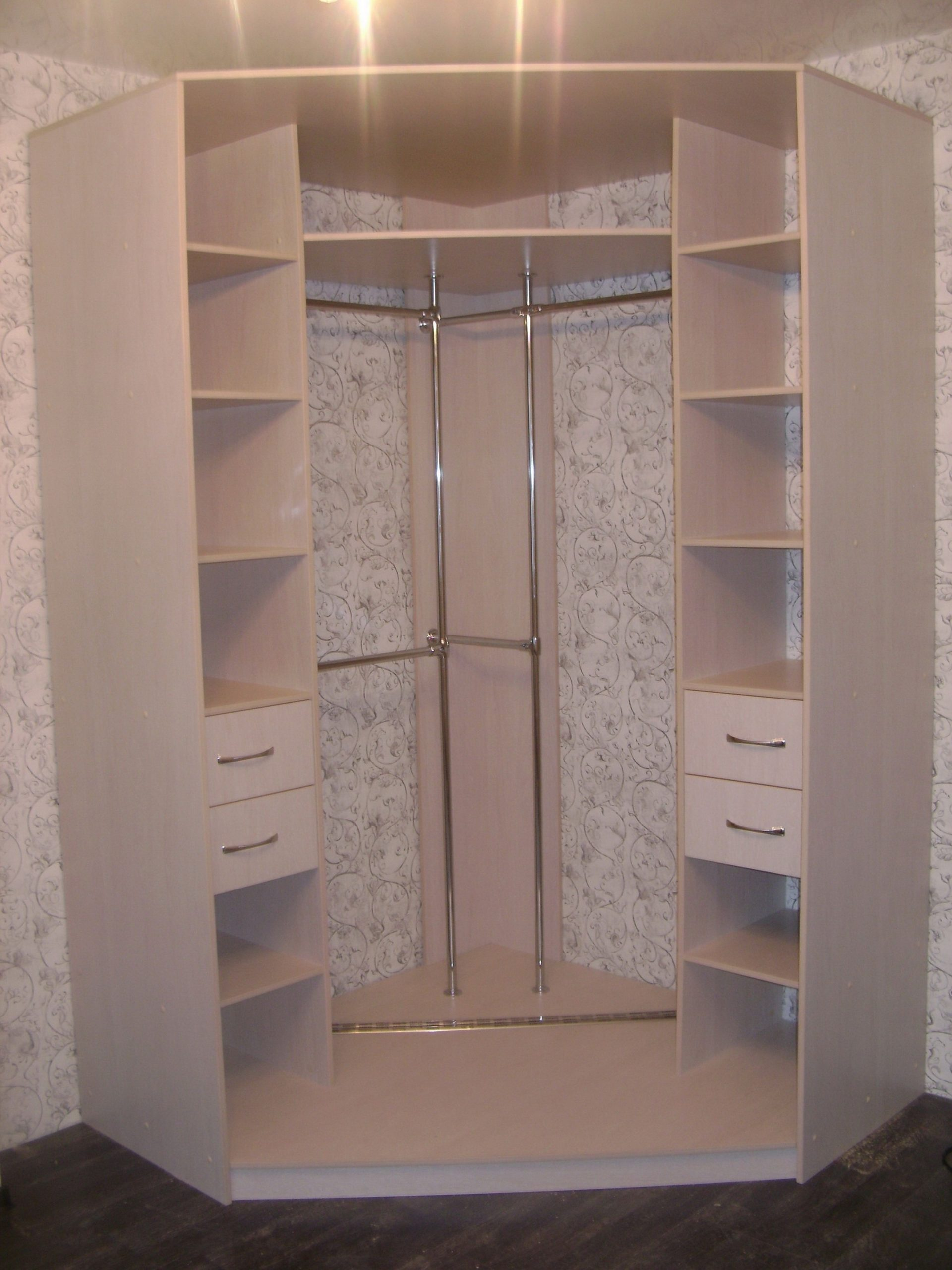 конструкция углового шкафа