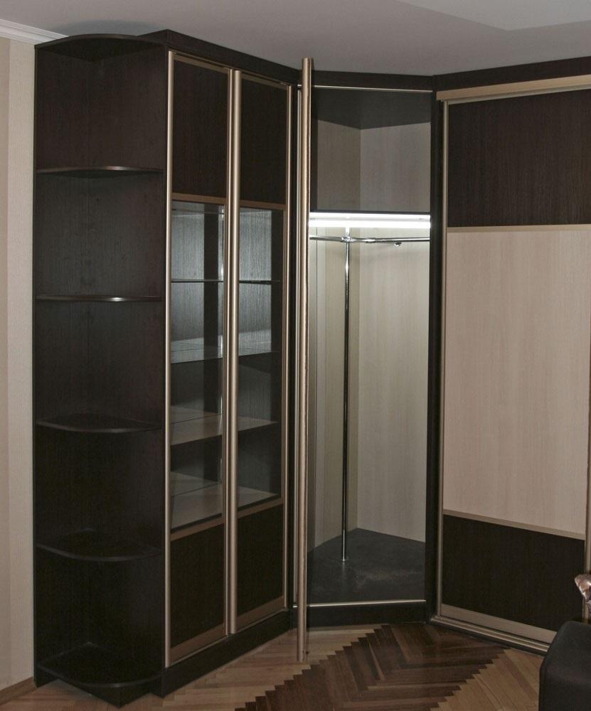 пятистенный встроенный шкаф