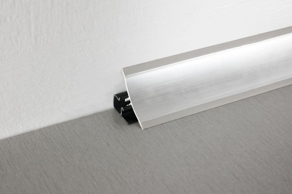 алюминиевый плинтус для столешницы дизайн фото