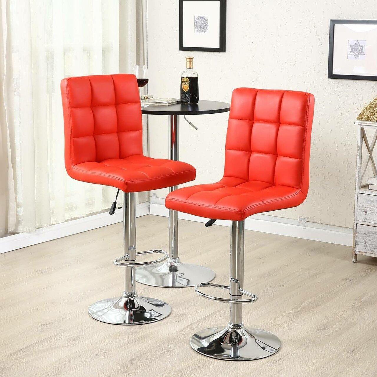 яркие барные стулья