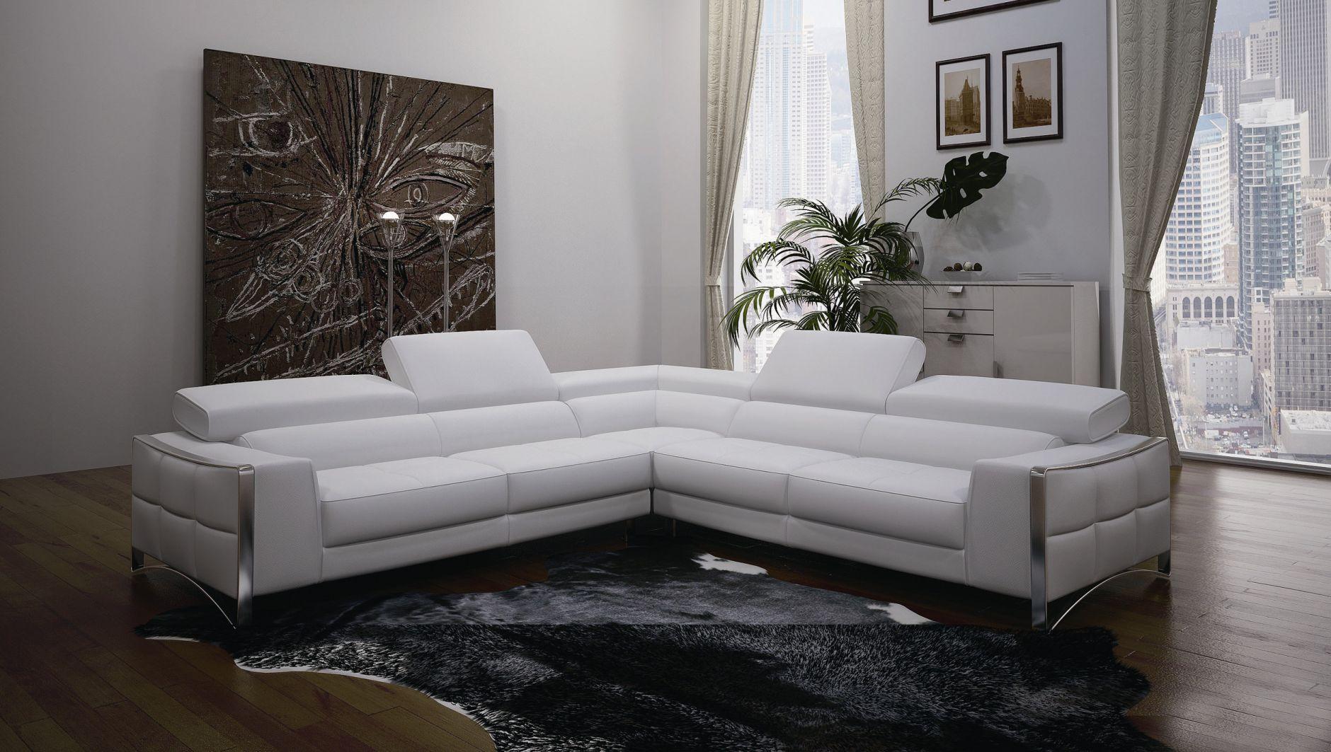 угловой диван в спальне