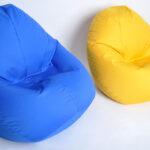 два бескаркасных кресла