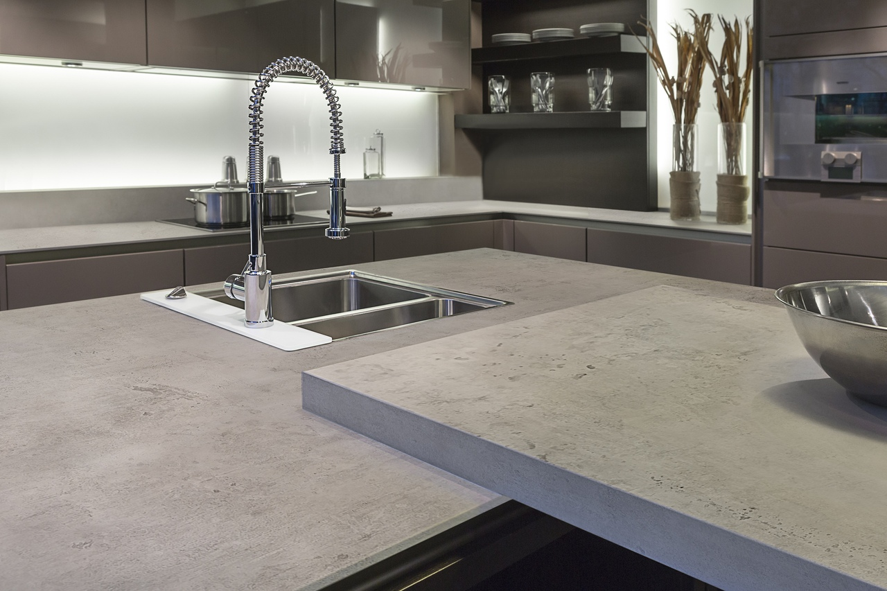 бетонная столешница на кухне идеи