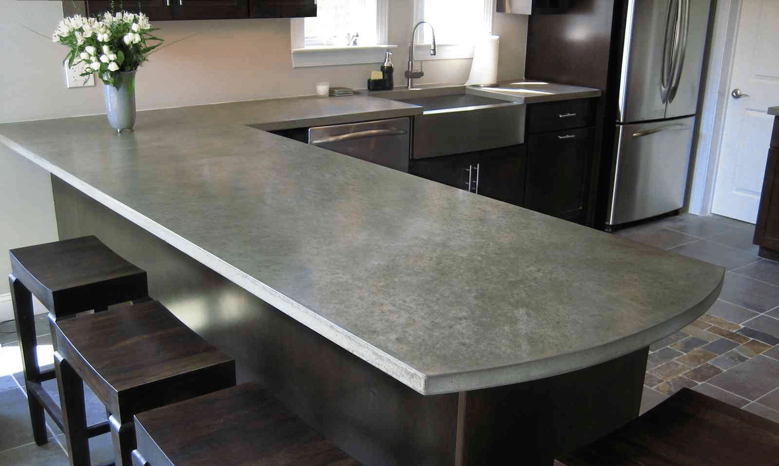 бетонная столешница на кухне