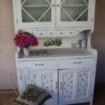 буфет кухонный белый с цветами