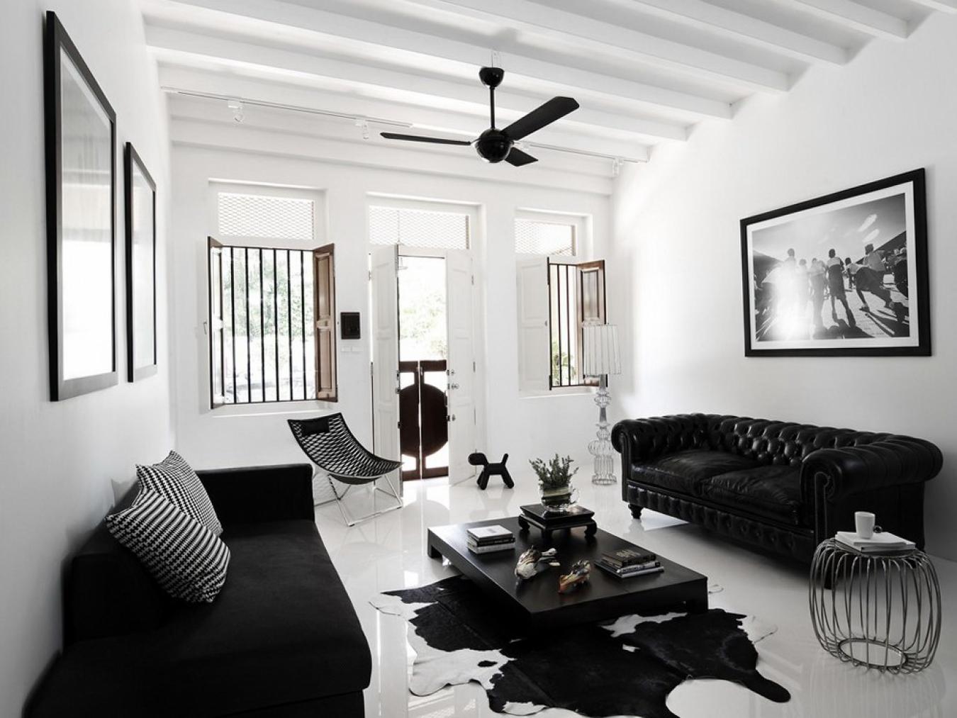 Черно белые фото в интерьере гостиной стала