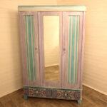 розово-голубой декор шкафа