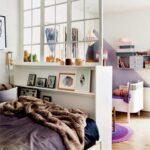 детская кровать за шкафом