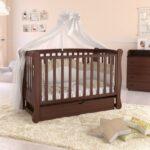 детская кровать коричневая