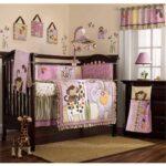 детская кровать с декором
