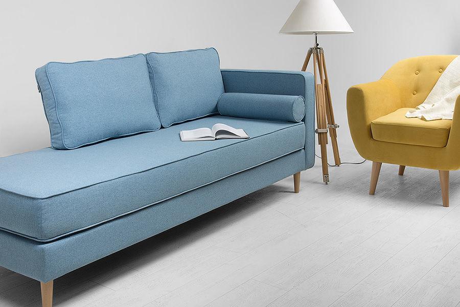 диван кушетка в гостиной