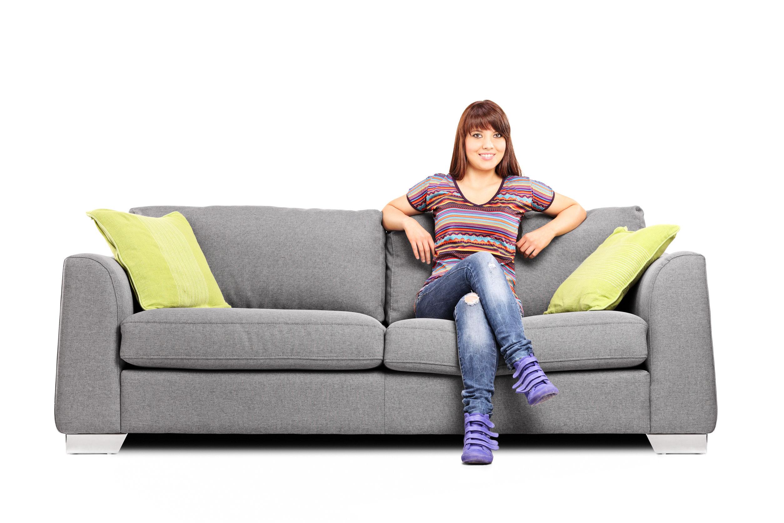 диван в магазине