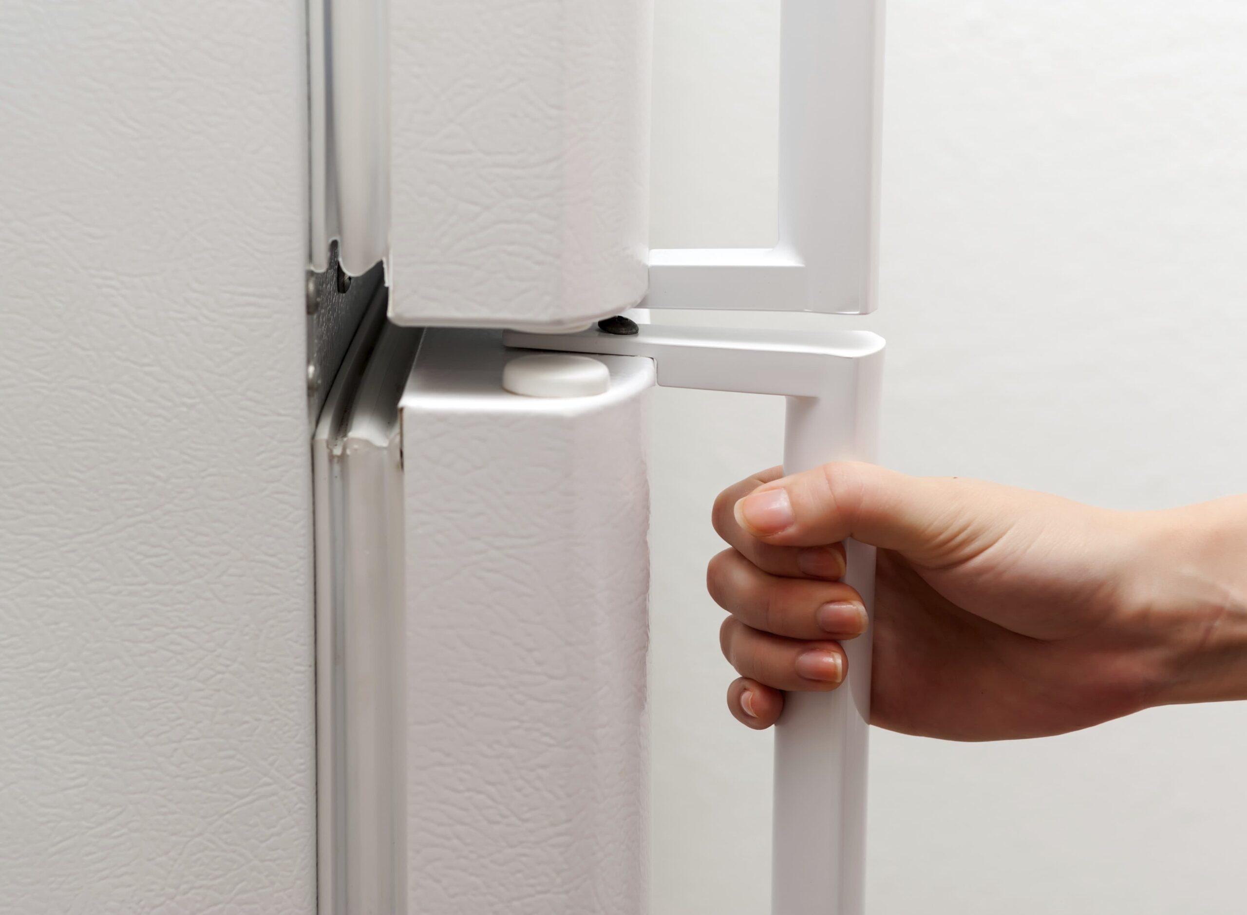 дверь в холодильнике