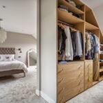 шкаф в мансарде фото