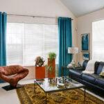 голубые шторы для большого окна