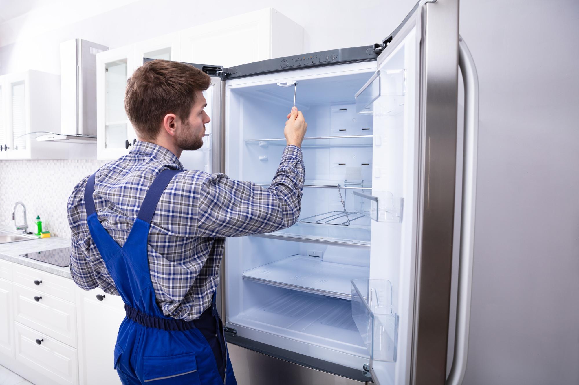 холодильник протекает сверху
