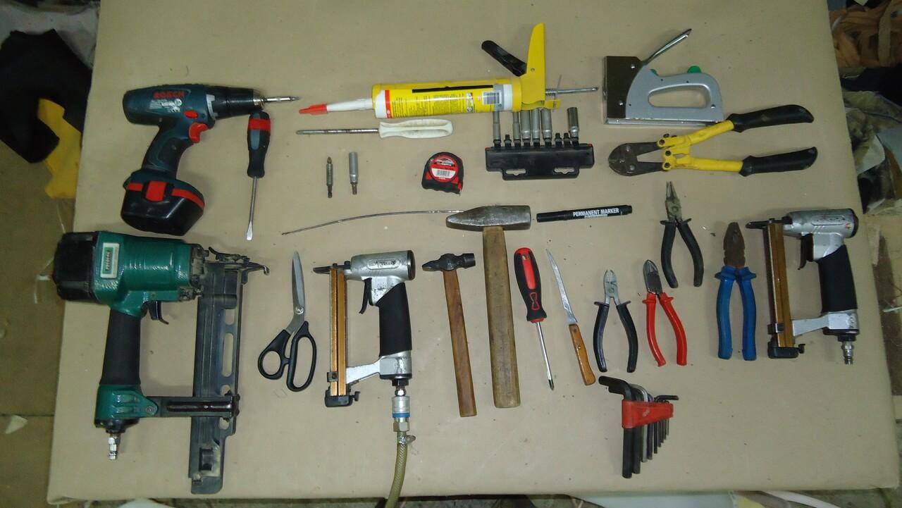 инструменты для ремонта мебели