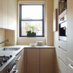 кухня маленькая бежевая