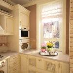 кухня маленькая светло-бежевая