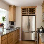 кухня маленькая с большим холодильником