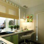 кухня маленькая с зеленой тумбой