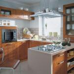 кухня маленькая коричневая с белым