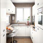 кухня маленькая с арными стульями