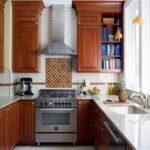 кухня маленькая коричневая
